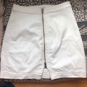 Free people white denim skirt size 4 never worn